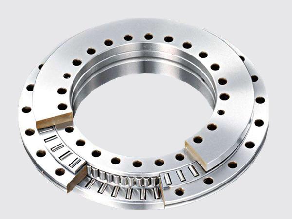 三排圆柱滚子组合转盘轴承(无齿式)